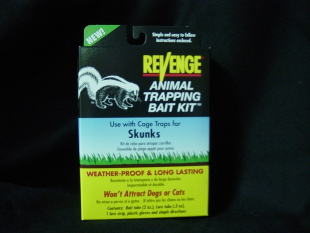 SKUNK BAIT KIT
